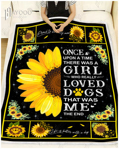 HAYOOO SUNFLOWER DOG BLANKET - There Was A Girl Who Really Loved Dogs