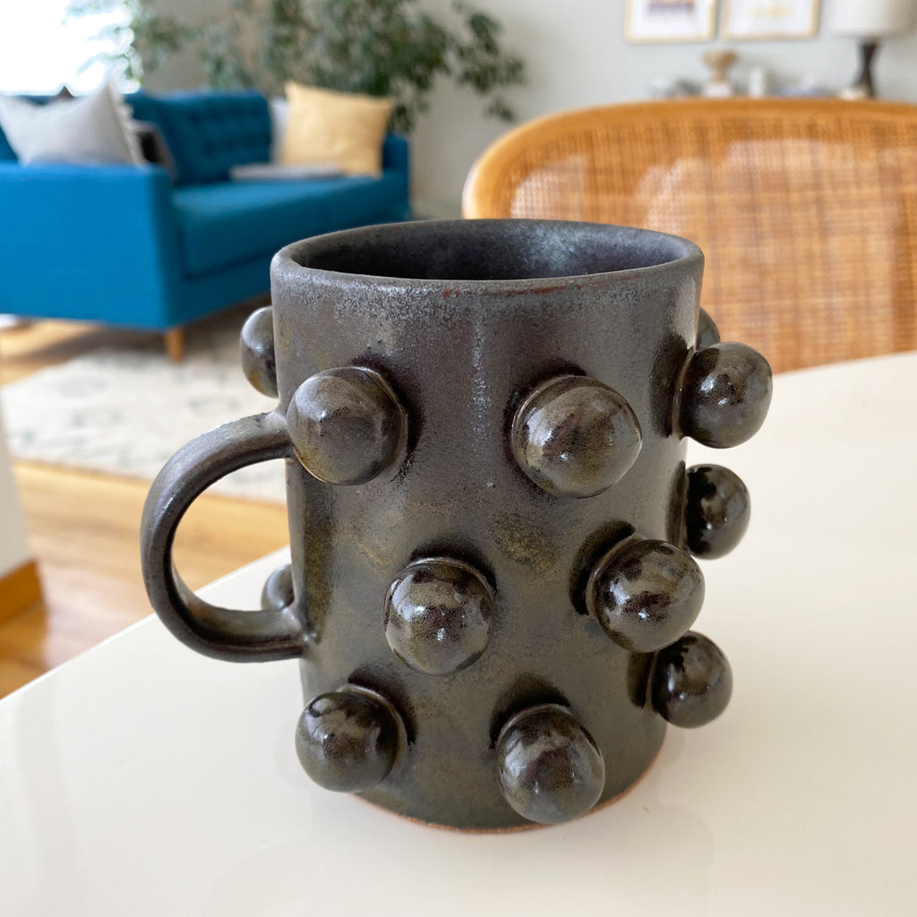 black bobble mug