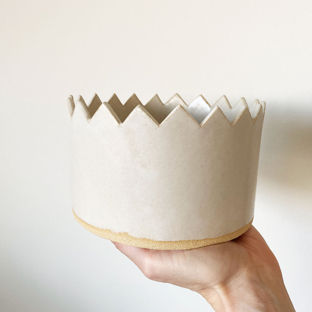 crown dish by salto