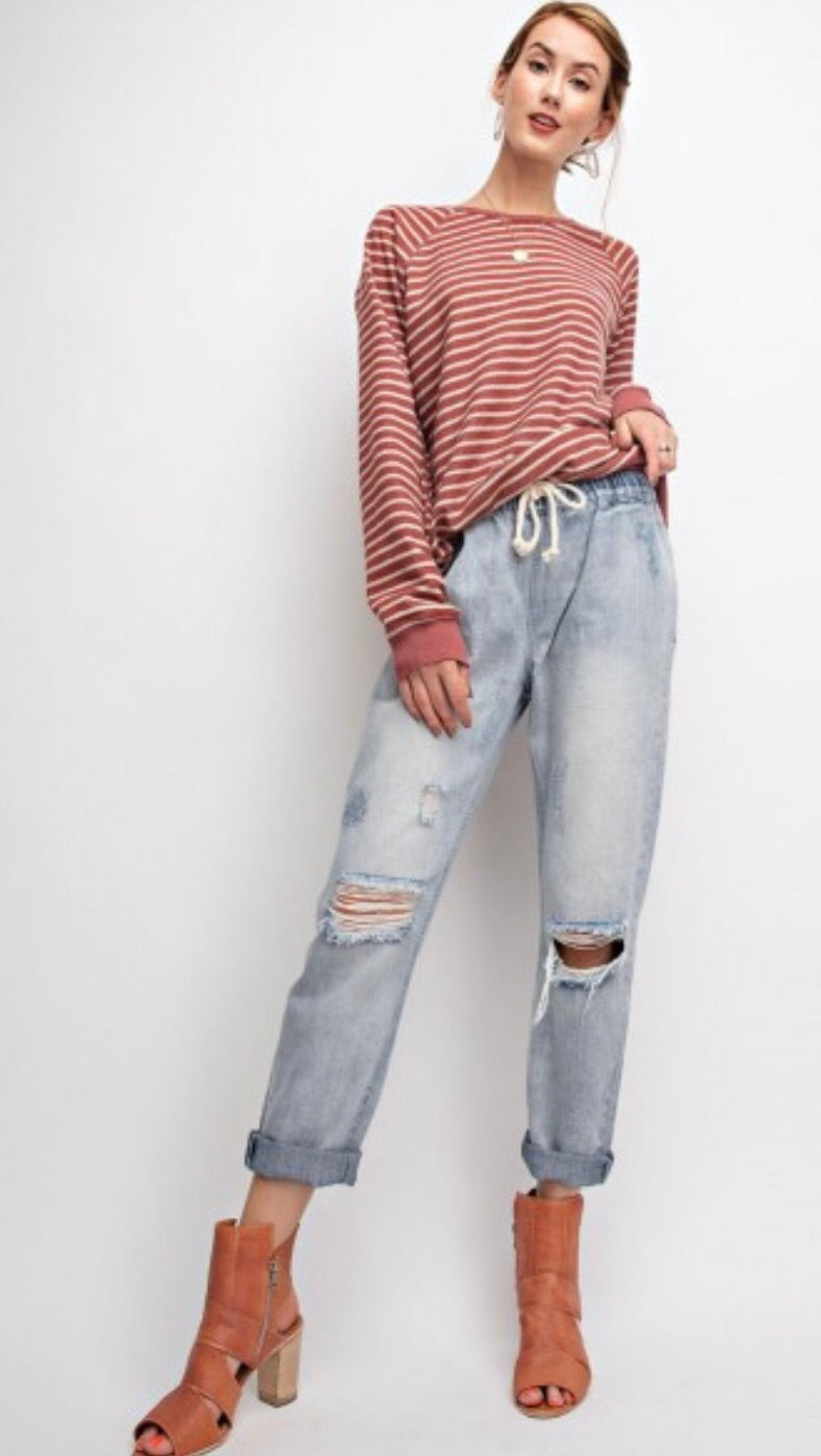 Northern Sky Pull N' Crop Denim Boyfriend Jeans - Light Denim
