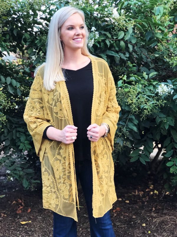 Out Of My League Kimono - Golden Kiwi