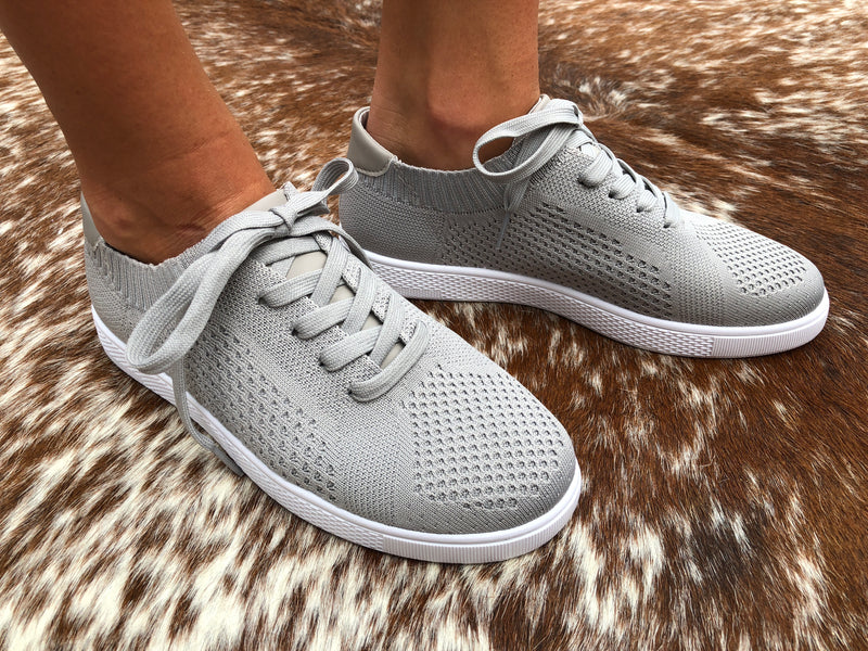 Low Top Sneakers - Grey