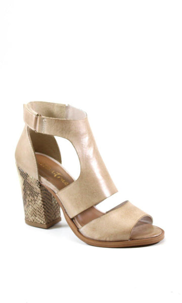 In Love- 2 Colors sandal by DibaTrue