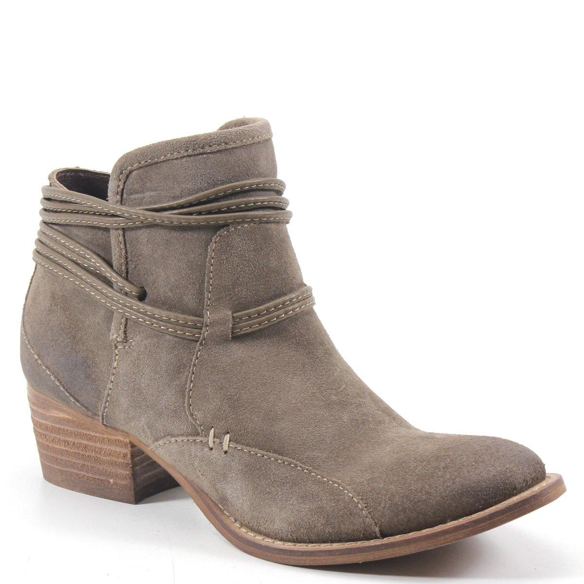 A soft suede bootie fit with a rope design detail and artistic top-stitching. An inside zipper and the 1.5- inch modest heel height has SMOKY BLUE ready to take the scenic route.