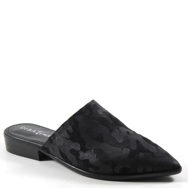 Modern and chic best describes  HIGH UP by Diba True, this is the shoe you'll be wearing all season. An easy slide-on style is upgraded up with a pointed toe, and luxe textured fabric with camo vibes sits on a low stacked heel.