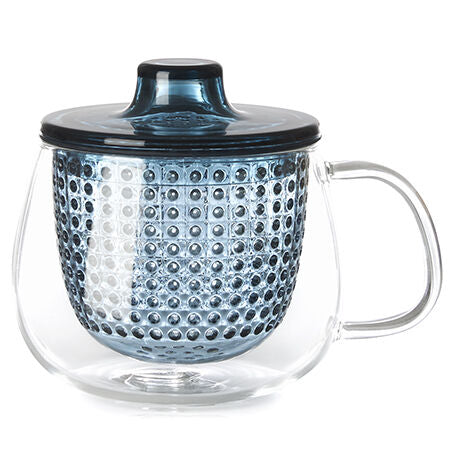 mug with navy strainer