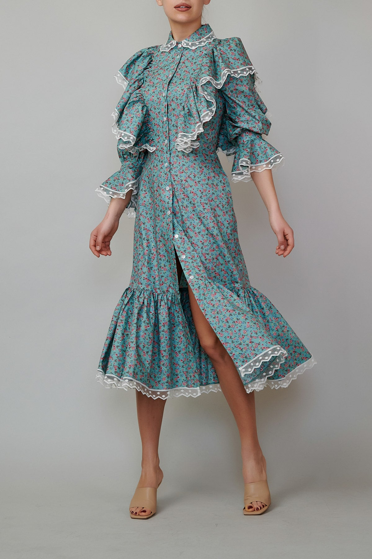 Poplin dress with wings and ruffles