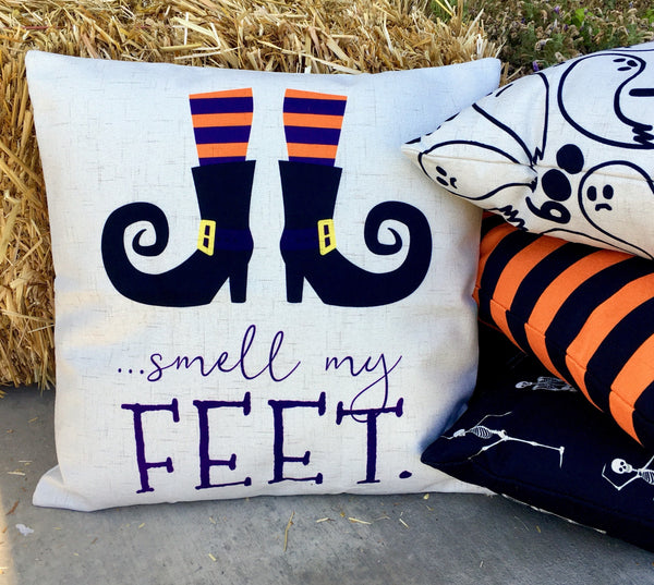 Smell my feet - pillow cover