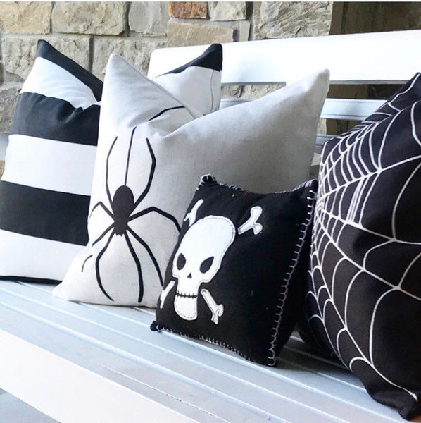 Hanging Spider - pillow cover