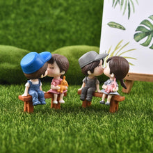 Load image into Gallery viewer, Sweety Lovers Couple Figurine Mini Fairy Garden Gnome Terrarium Resin Craft Decoration