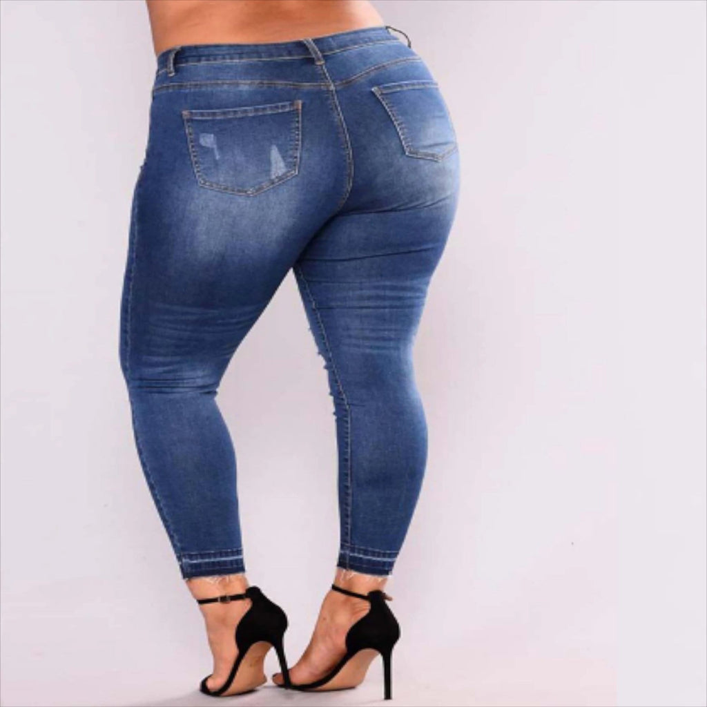 Plus Size Ripped Jeans  VidaDeCalle