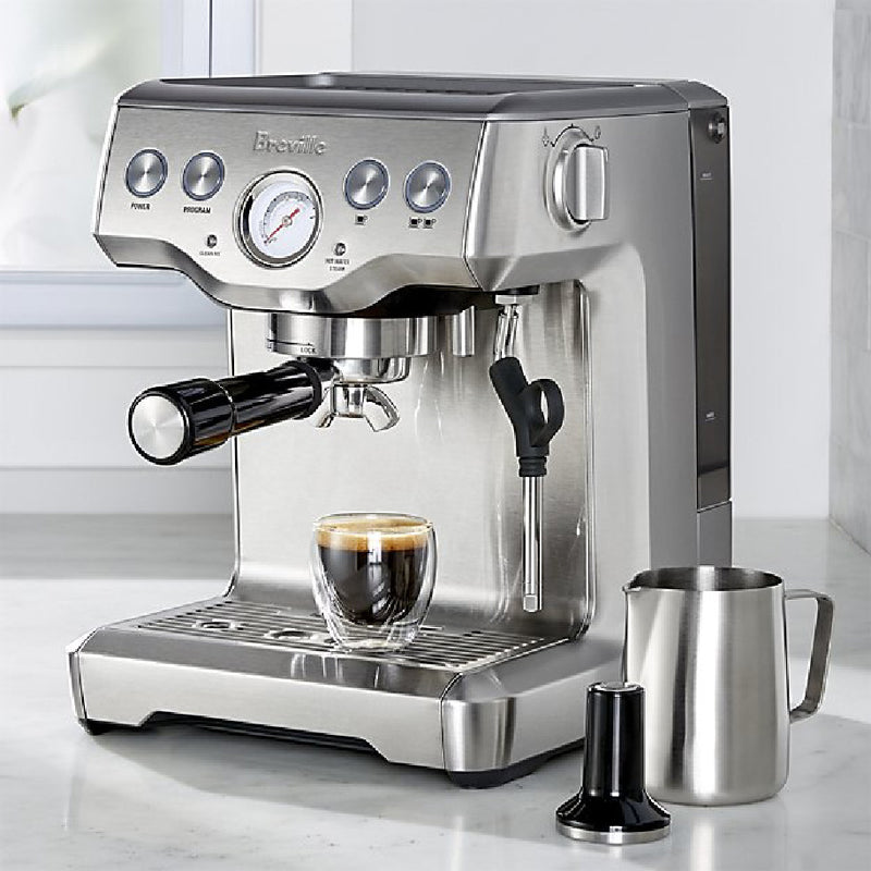 Breville The Infuser™ Espresso Machine BES840XL Lifestyle