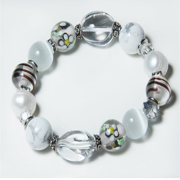CLEARLY ELEGANT WHITE BRACELET FOR CROWN CHAKRA