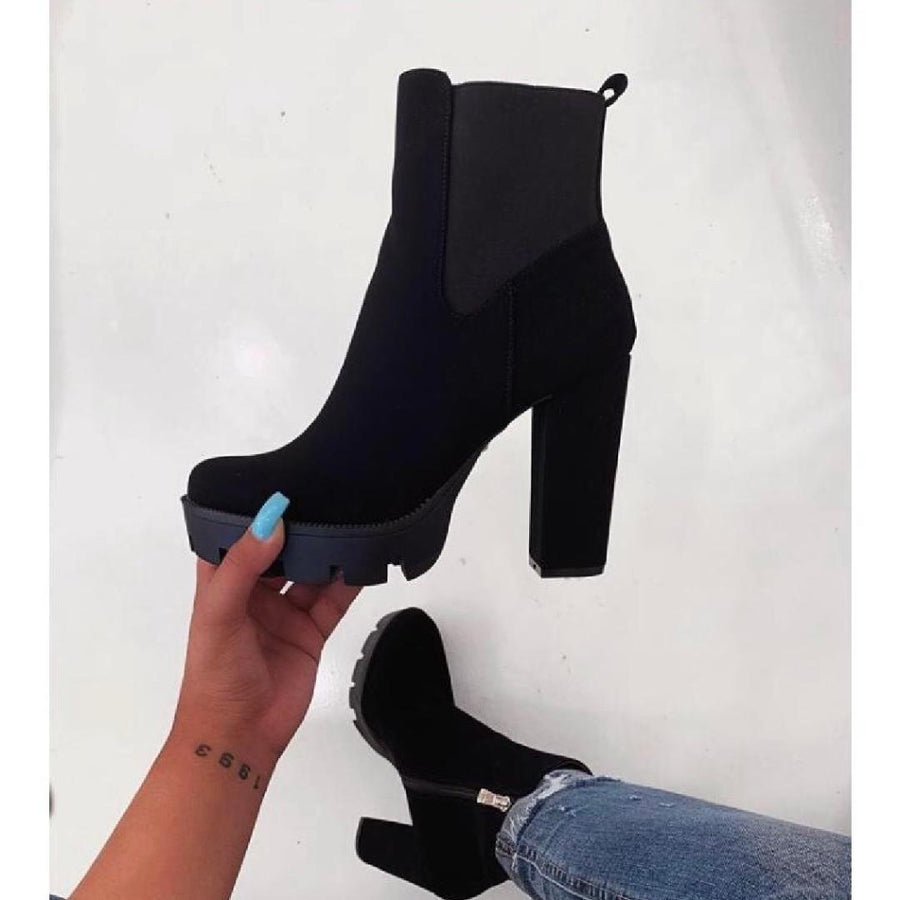 Laticia Booties- Black Nubuck