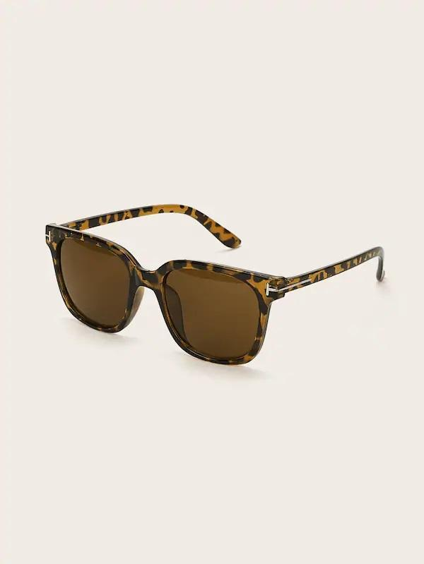 Tortoiseshell framed Wayfarer Nell and Pop sunglasses for men front