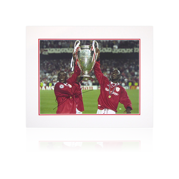 Dwight Yorke (Manchester United) 1999 Champions Signed Mount Display