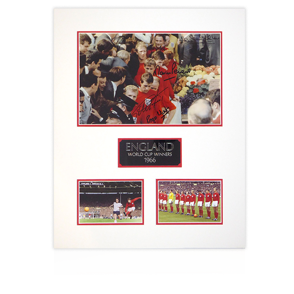 England Squad 1966 Signed Mount Display