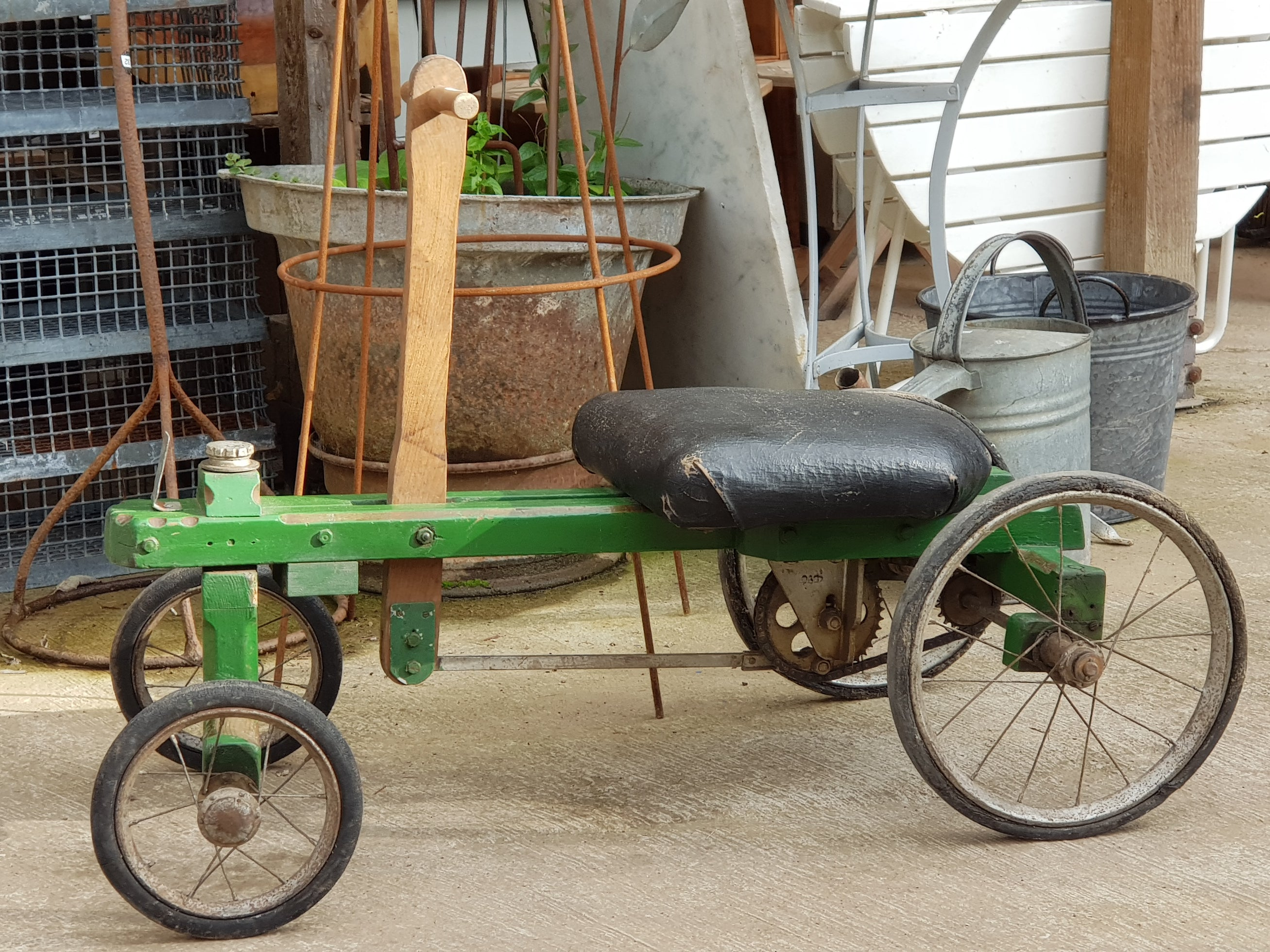 Cool hand crank go-cart