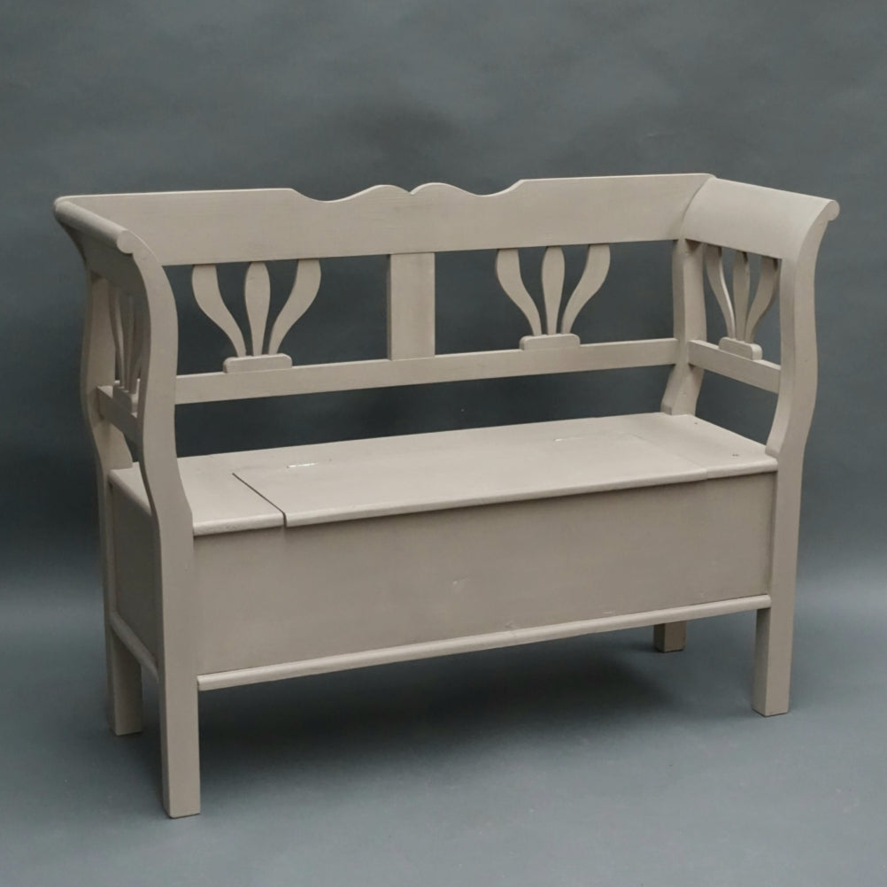 Dutch pine fleur de lys storage bench