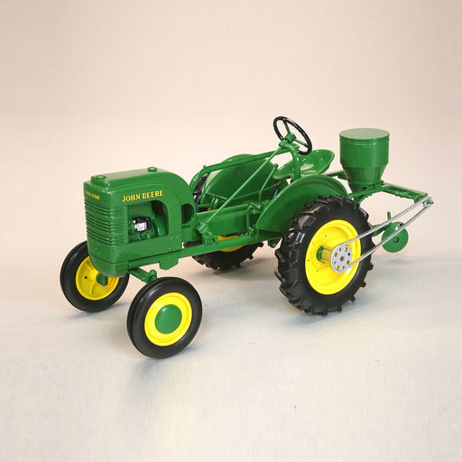 JD L W/ PLANTER REPLICA