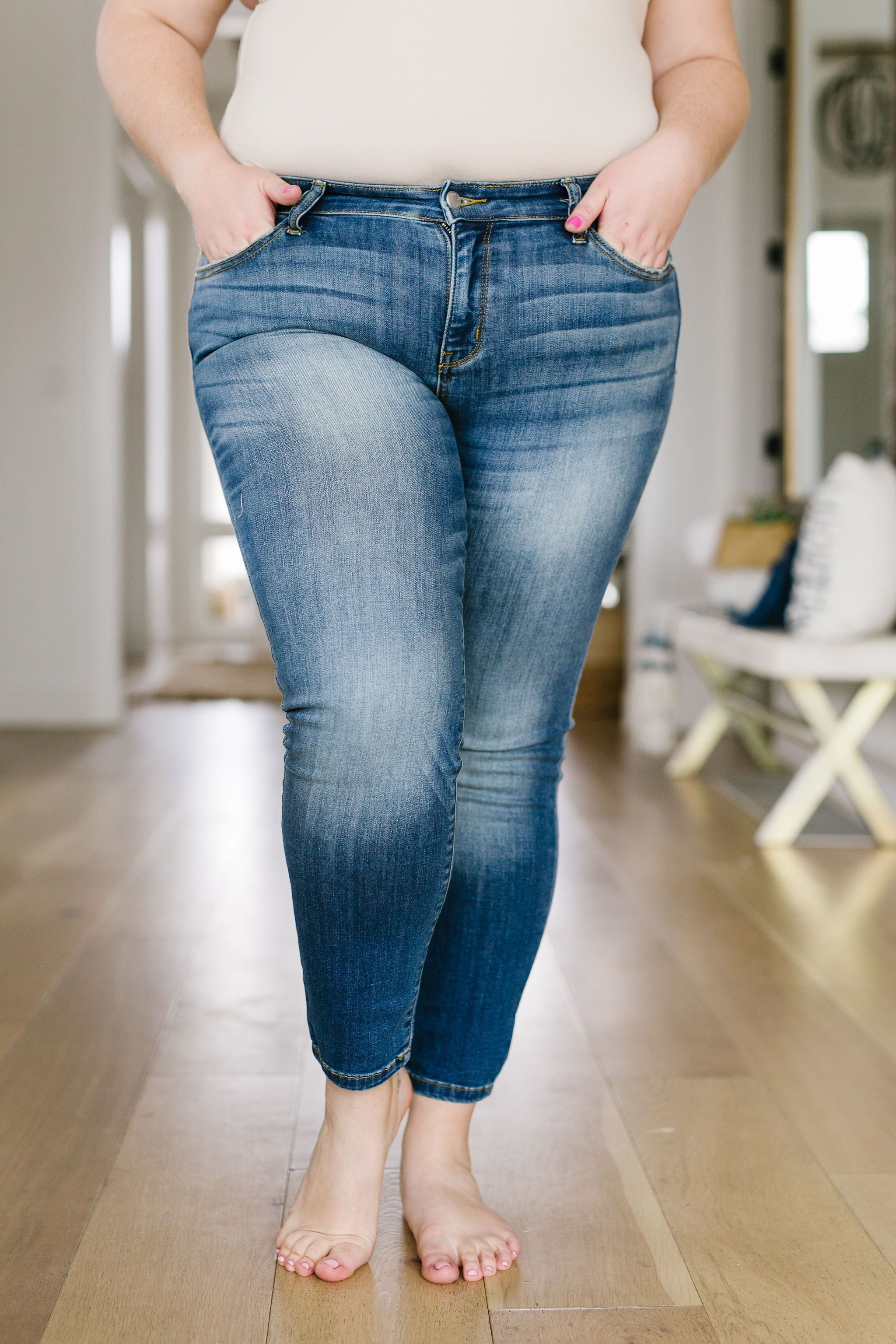 Judy Blue Plainly Perfect Relaxed Mid-Rise Jeans