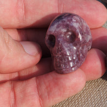 Load image into Gallery viewer, Lepidolite skull
