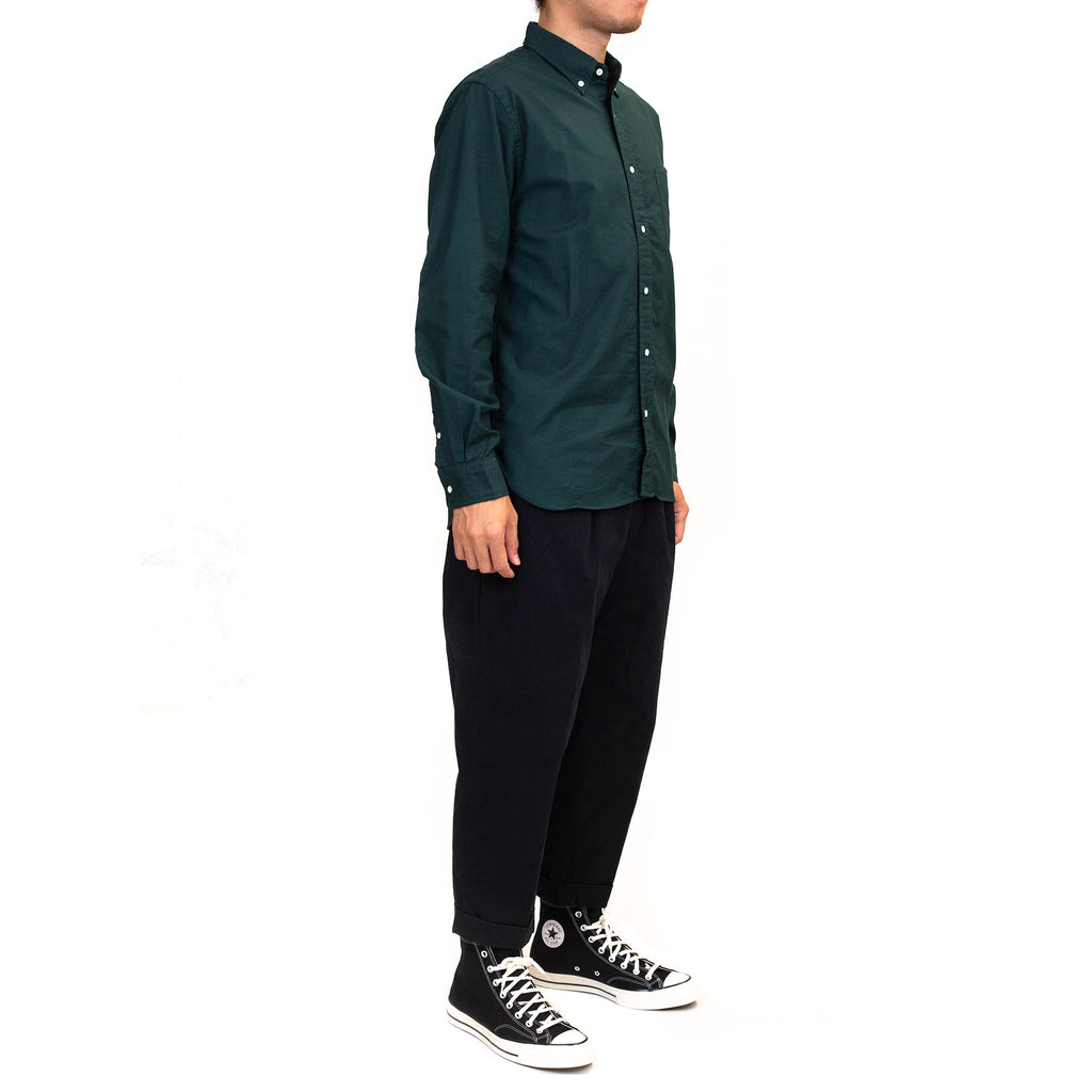 Beams-Plus-Colour-Oxford-Button-Down-Shirt-Green-Model-fit-side