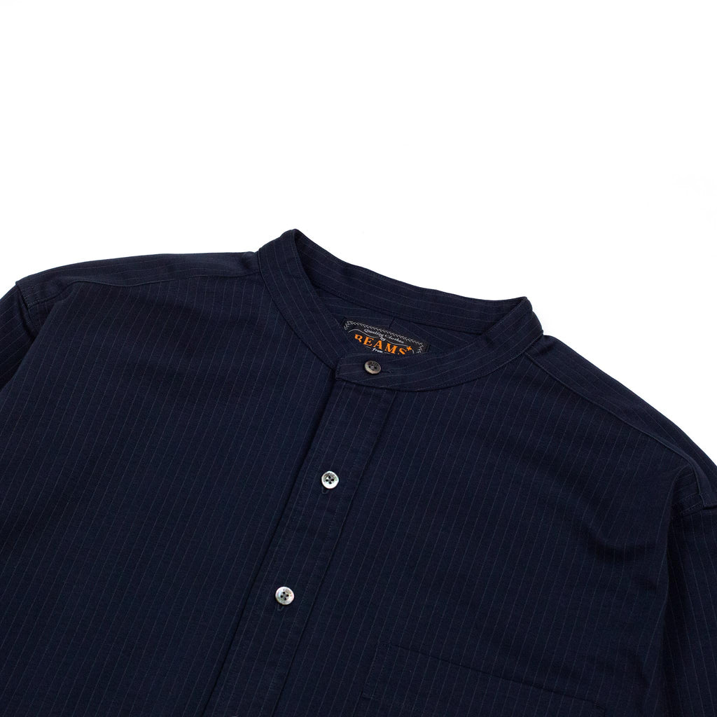Beams-Plus-Knit-Shirt-Band-Collar-Pullover-Stripe-Shirt-Navy-Collar-detail