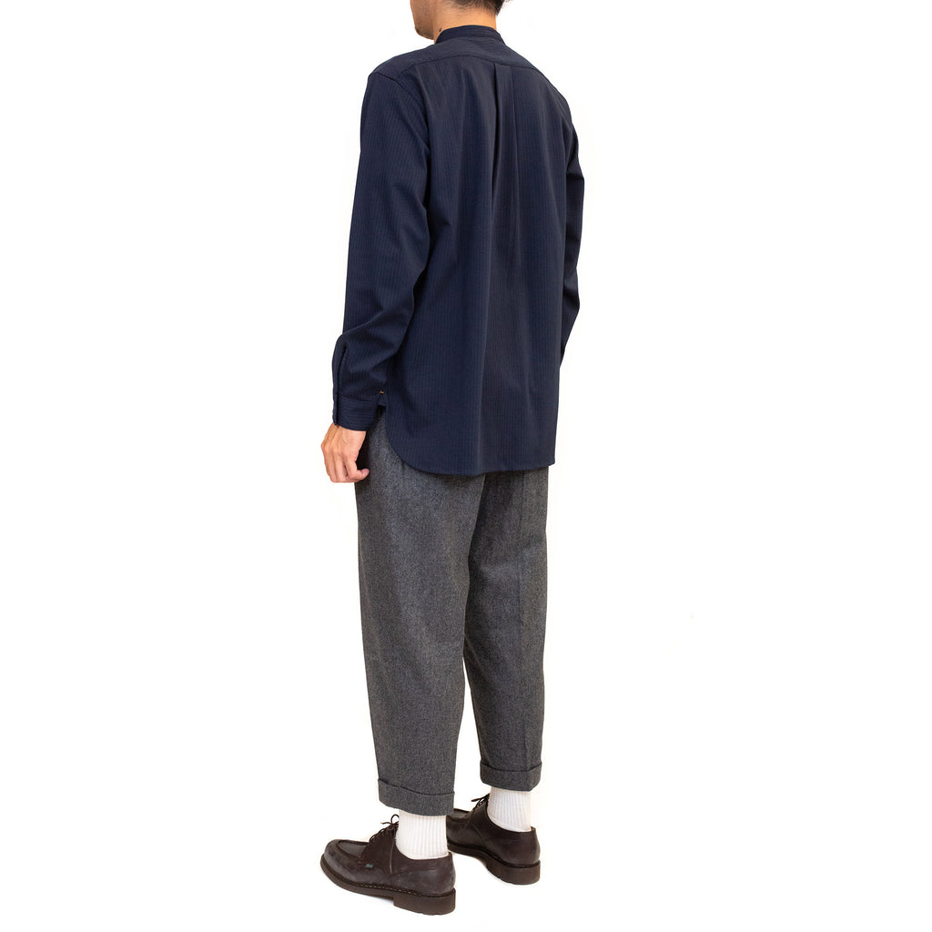 Beams-Plus-Knit-Shirt-Band-Collar-Pullover-Stripe-Shirt-Navy-Model-fit-back