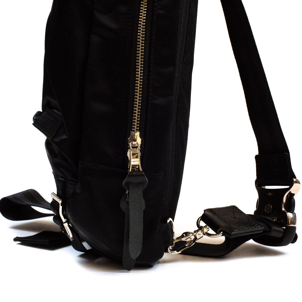 master-piece Lightning Shoulder Bag Black side
