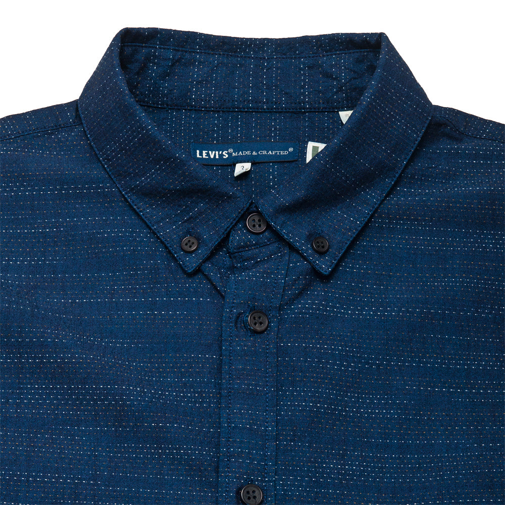 Levi's Made & Crafted Standard Floating Yarn Dobby Shirt at shoplostfound, neck