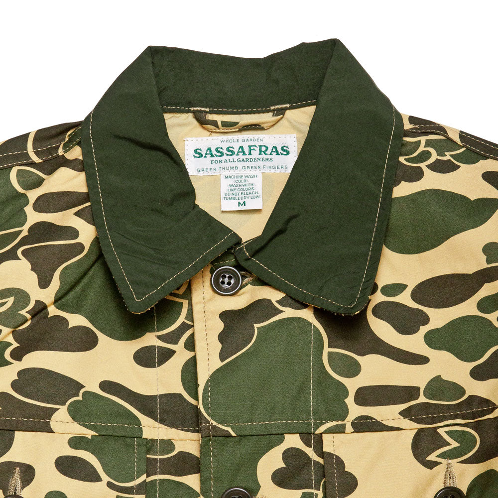 Sassafras D.H. Camo Garden Hole Jacket at shoplostfound, neck