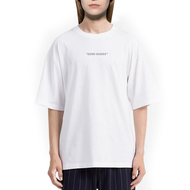 """Send Nudes"" Tshirt Oversize Donna Con Stampa Reflective - Concept Store."