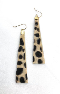 Leather and fur long earring with wild cat pattern.