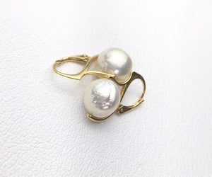 Pearl  drop on vintage stye clasp, earrings with multiple metallic finish options.