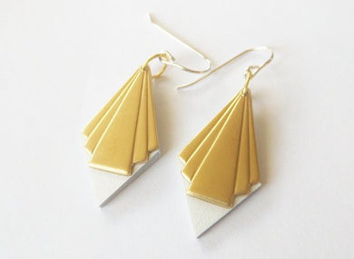 Small diamond fan earrings with white leather and gold finish