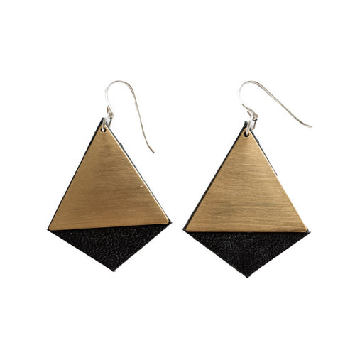 Diamond Amour earrings in black leather with brass finish