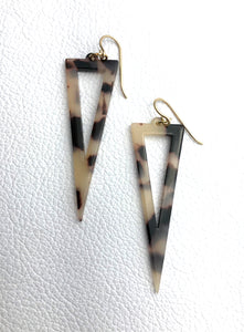 Cool tone, tortoiseshell (vegan resin) earring, nz made.