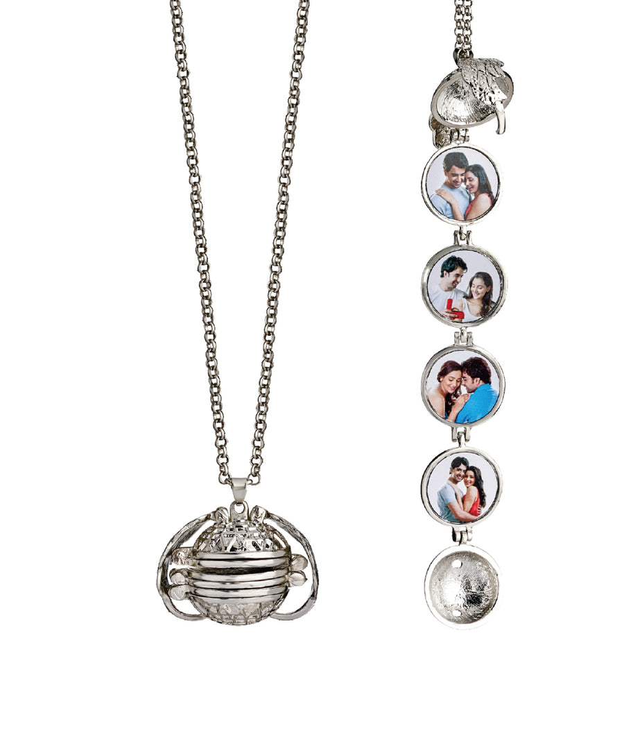 4 Photos Ladies Pendant