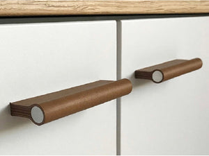 Como 96mm Pull Handle - Chocolate Brown Leather (various finishes)