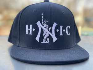 "HEAD NY IN CHARGE "" BLACK "" SNAPBACK (WHITE TEXT)"