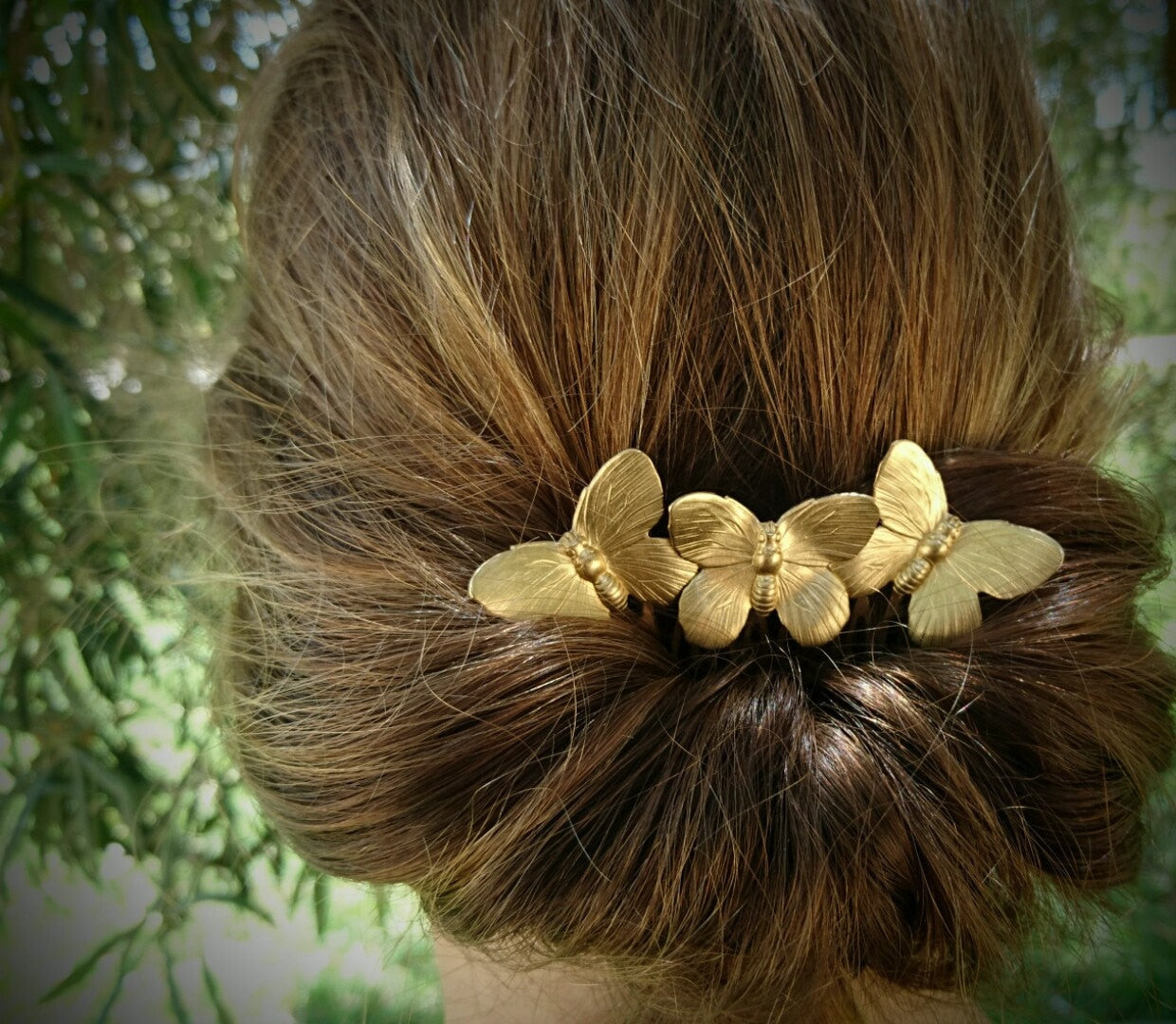 Hair comb with 3 Butterflies available in Gold or Silver coloured - weddingniknaks