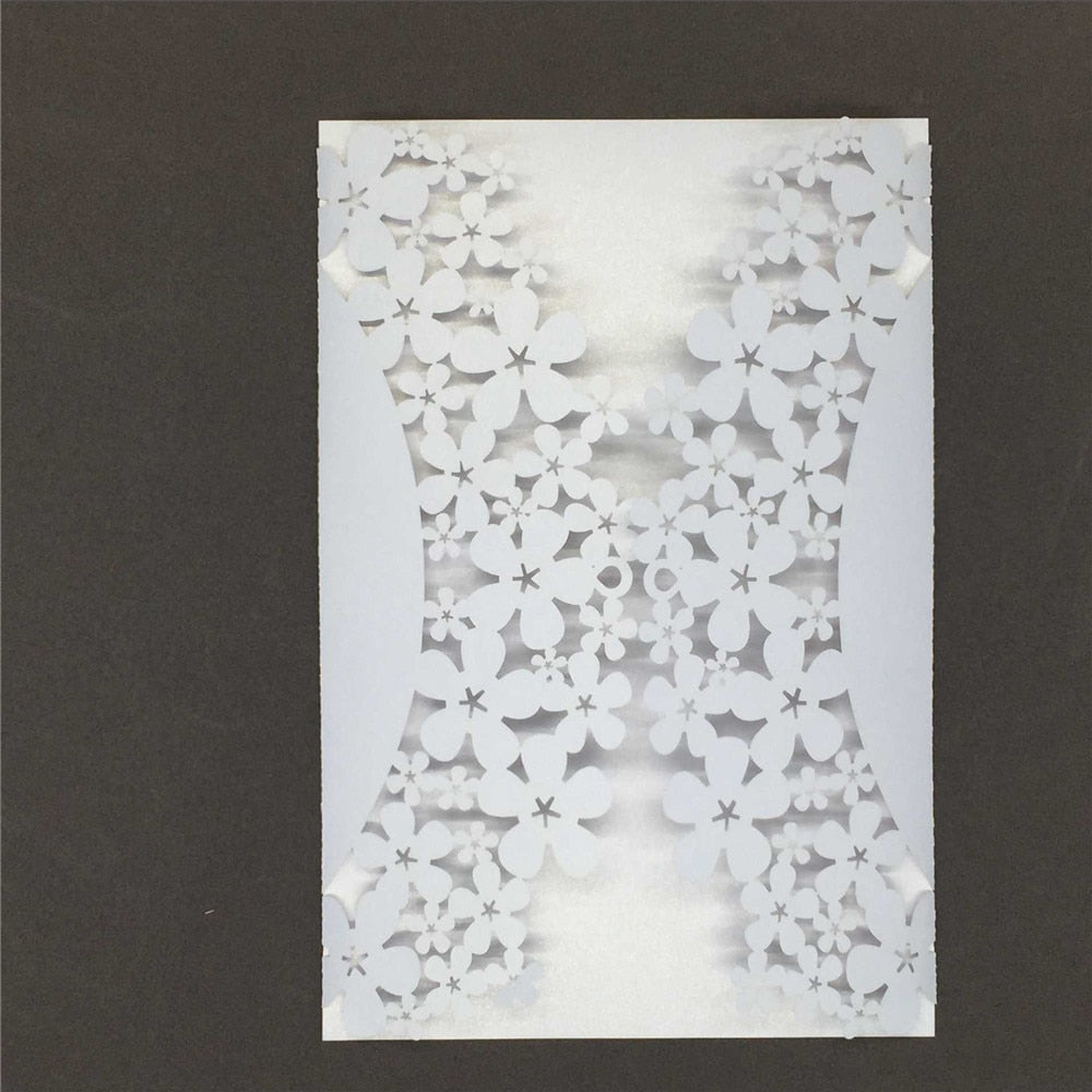 40 Romantic Carved Flower Pattern Iridescent Paper Invitation Cards - weddingniknaks
