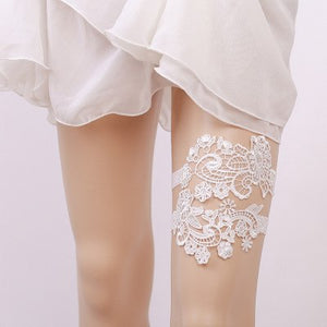 Pair of Lace Garters. - weddingniknaks