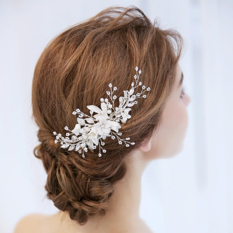 Silver Coloured Floral Hair Comb/Hair Slide wit Pearls - weddingniknaks