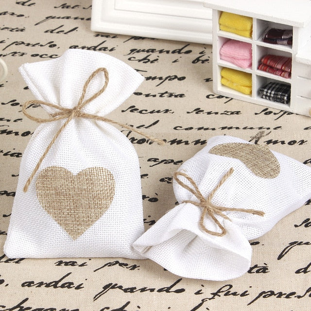 50 WHITE LINEN/NATURAL BURLAP DRAWSTRING VINTAGE FAVOR BAGS. AVAILABLE IN A VARIETY OF COLOURSStyle A-weddingniknaks