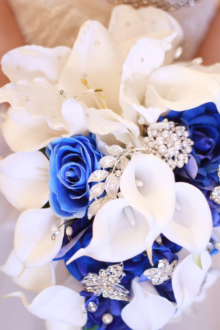 WATERFALL BOUQUET WITH CRYSTALS AND FAUX PEARL DECORATIONS. AVAILABLE IN 5 COLOUR VARIATIONS - weddingniknaks