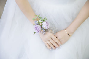 CO-ORDINATING LAVENDER BUTTON HOLES/CORSAGES AND WRIST CORSAGES. - weddingniknaks