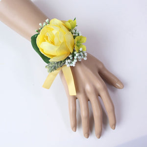 Wedding Party Corsages, Wrist Flowers and Buttonholes in 14 different Styleswrist corsage-C-weddingniknaks