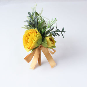 Wedding Party Corsages, Wrist Flowers and Buttonholes in 14 different Stylescorsage-D-weddingniknaks